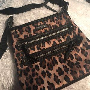 Animal print shoulder bag. Very cute and trendy.